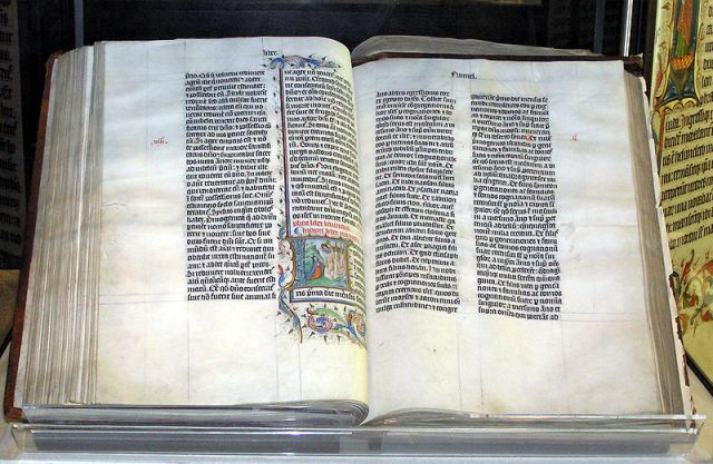 800px-Bible_malmesbury_arp